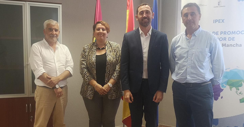 La DOP Montes de Toledo e IPEX abordan distintas líneas de colaboración para impulsar la promoción exterior del AOVE