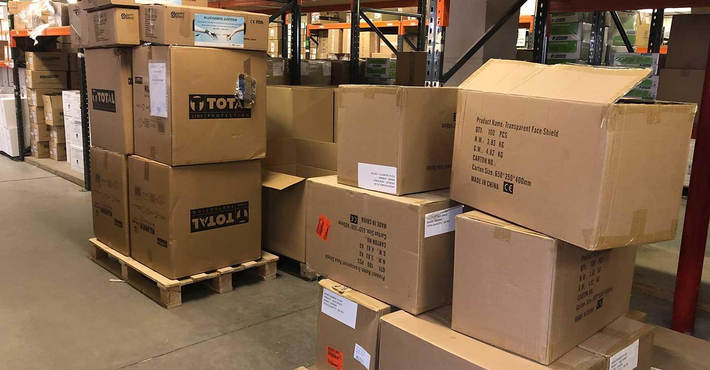 El Gobierno de Castilla-La Mancha está distribuyendo hoy más de 230.000 artículos de protección para los profesionales de los centros sanitarios de la provincia de Toledo