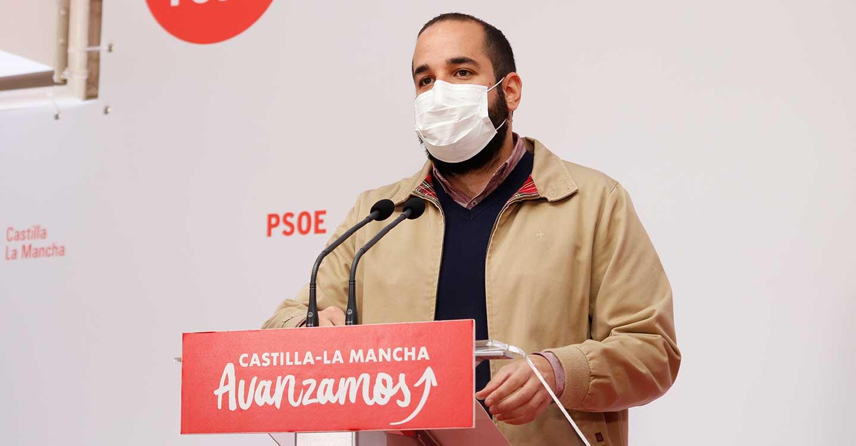 González subraya que el Gobierno de Page está centrado en el virus, mientras el PP de Núñez hace campaña por Ayuso