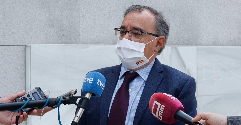 """Mora destaca que Page firma un acuerdo de empleo para 15.000 personas, mientras Núñez """"no aporta nada"""" a CLM"""
