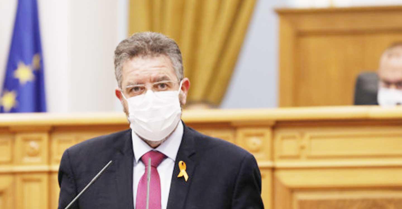"""Moreno advierte que `no salen las cuentas´: """"Tan solo se están administrando 2 vacunas por día y por persona en nuestra región"""""""
