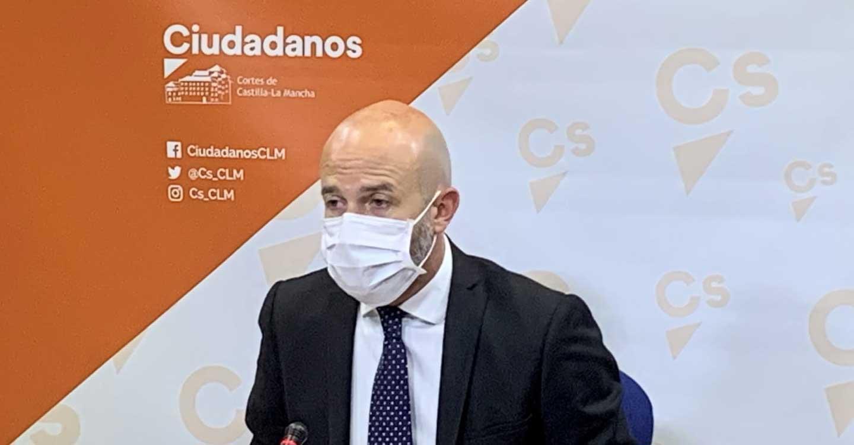 Ciudadanos denuncia la enésima promesa incumplida de García-Page: Miles de mayores de 80 años siguen sin vacunar