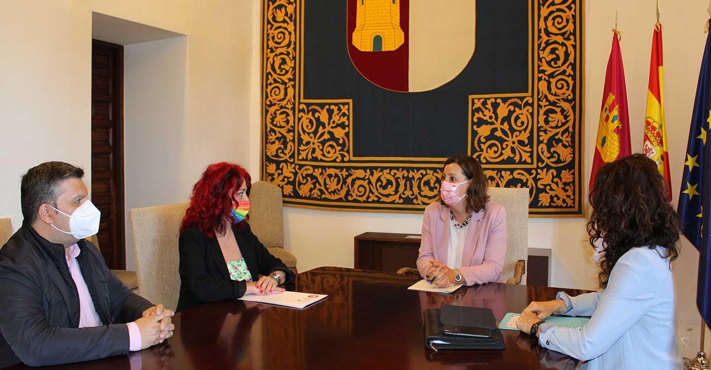 Olga Arribas traslada a Patricia Franco el compromiso de UGT Castilla-La Mancha con el empleo de calidad