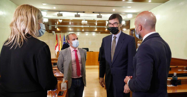 Picazo y Zapata valoran con el secretario de Estado de la UE el papel