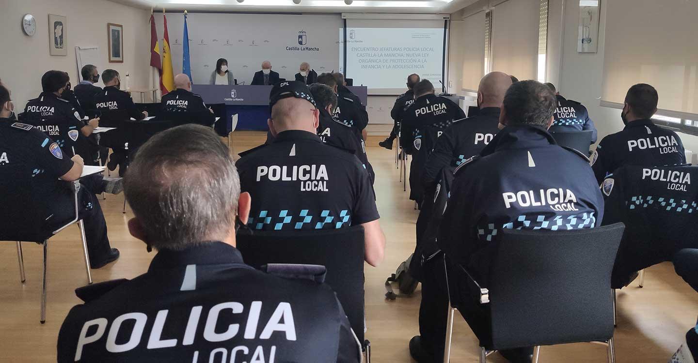 La Policía Local de la región se forma en la nueva Ley de Protección Integral a la Infancia y Adolescencia frente a la Violencia