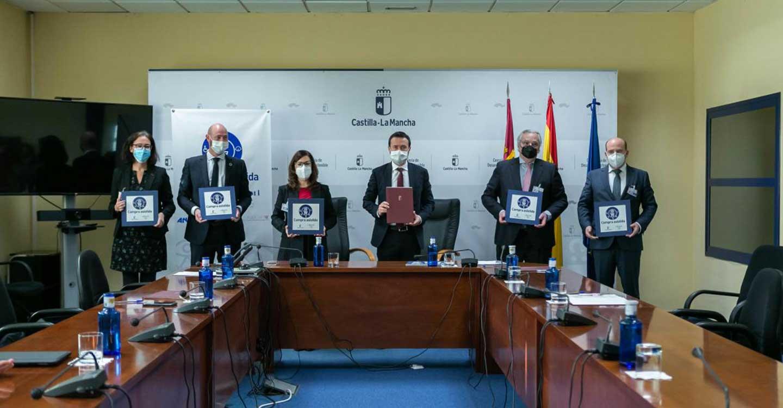 El Gobierno de Castilla-La Mancha impulsa el programa pionero de 'Compra Asistida' dirigido a personas consumidoras con discapacidad y mayores en establecimientos de la región