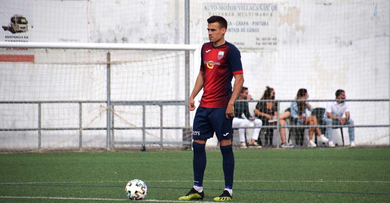 La renovación de Alberto Abengózar como delantero del CD Villa, gran regalo de cumpleaños