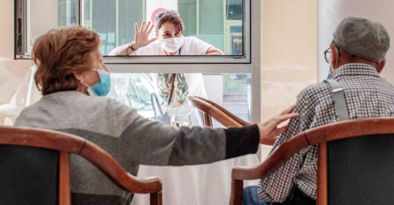 UGT CLM pide un incremento de los profesionales sanitarios en los centros socio sanitarios de la región para poder hacer test de antígenos a las visitas