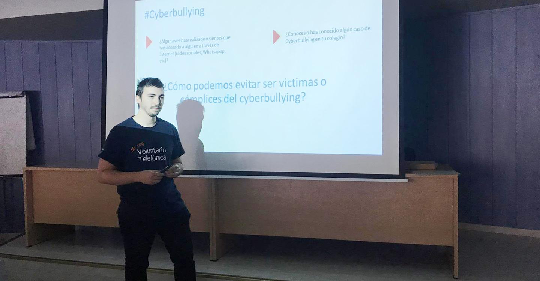 Voluntarios Teléfonica de Castilla-La Mancha llevan la Ciberseguridad a los coles de la Región
