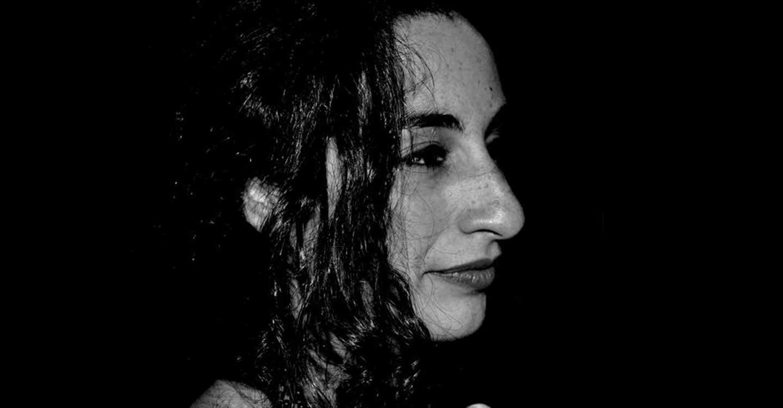 La pianista tomellosera Ana Pozuelo alegra una vez más el confinamiento a sus vecinos de París