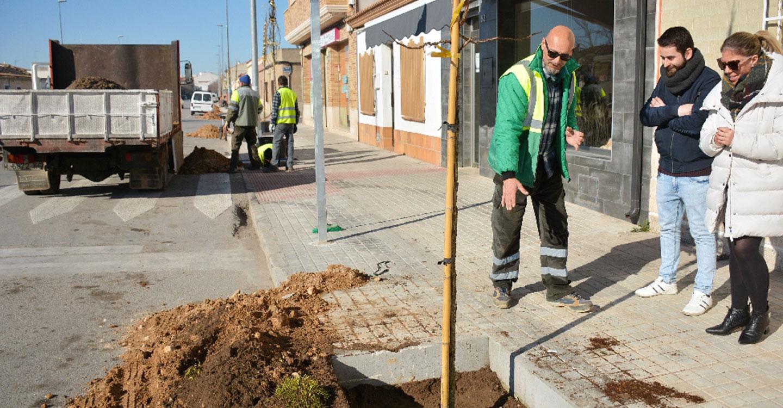 Finalizan los trabajos de acondicionamiento y mejora en el acerado de la calle Oriente