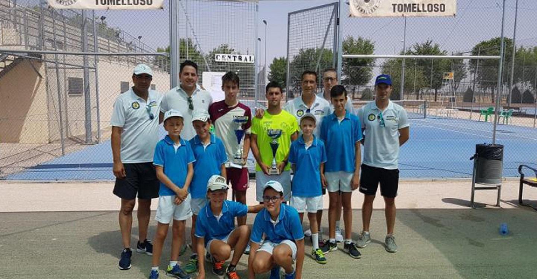 """Termina el XIX Torneo Nacional """"Ciudad de Tomelloso"""" de tenis, con una gran final que ganó Luis Moreno Flores"""