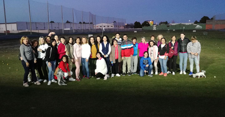 El Club de Golf Tomelloso, en colaboración con El Hidalgo Golf de Alcázar de San Juan inician actividades para incorporar a la mujer en la práctica del este deporte