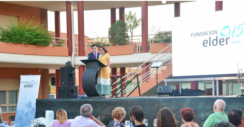 Isi Serna felicita a Residencial Elder por su XV Aniversario