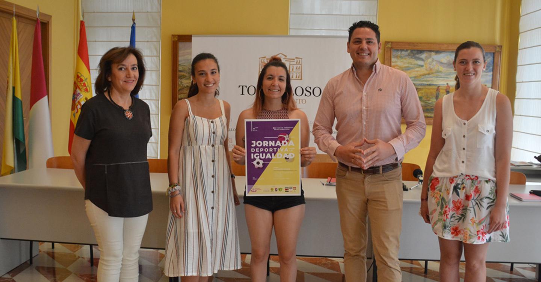 El Ayuntamiento se suma a la lucha por la igualdad apoyando la jornada deportiva organizada por la Asociación Feminista Las Trece Rosas