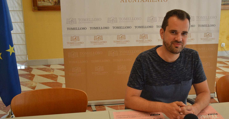 Zatón presenta los programas de Cultura y Tradiciones en Feria