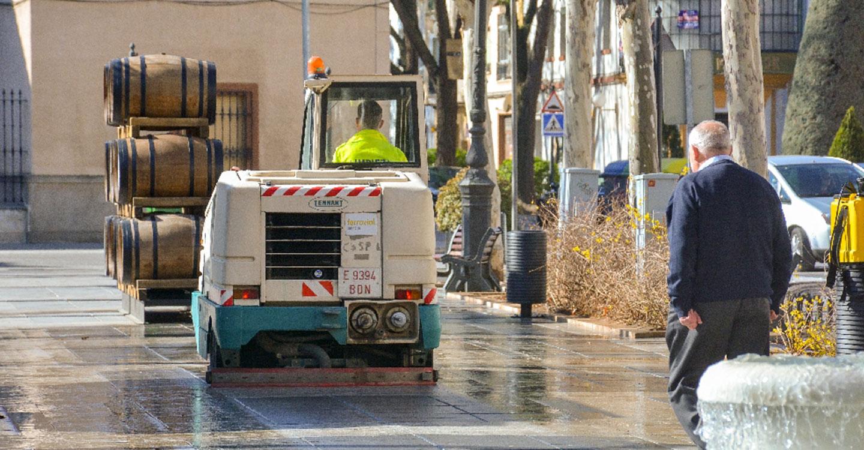 Continúan los refuerzos al servicio de limpieza viario
