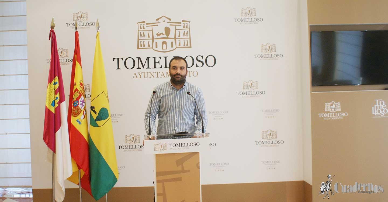 """Álvaro Rubio : """"En el último año y medio se han arreglado 140 kilómetros de caminos del término municipal de Tomelloso"""""""