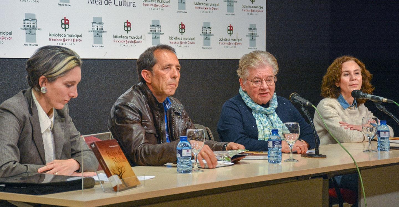 El Club de Lectura de la Biblioteca celebra un encuentro literario con Rafael Cabanillas