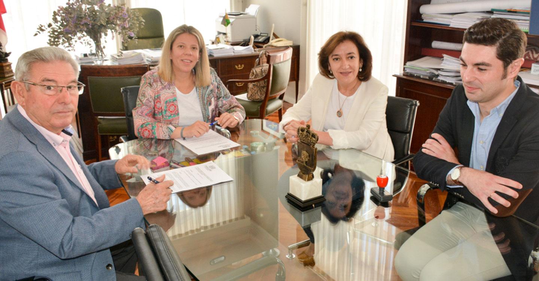 El Ayuntamiento amplía su colaboración con Fundación Elder a 5 plazas en su residencia