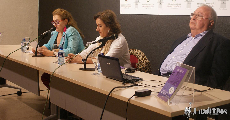 Presentación del Libro sobre la Menopausia por el doctor, escritor y catedrático de Ginecología en la Universidad de Granada José Luis Cuadros.