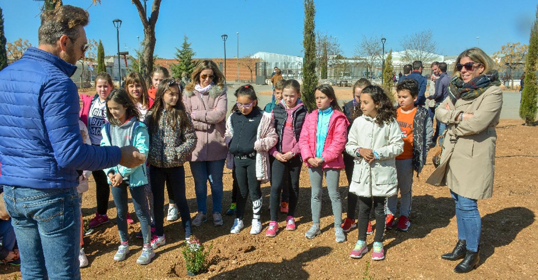 500 escolares celebran en Tomelloso el Día del Árbol