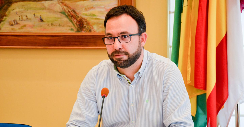 Navarro pide que se cifre el ahorro conseguido con la instalación de nichos prefabricados para que repercuta en los vecinos de Tomelloso