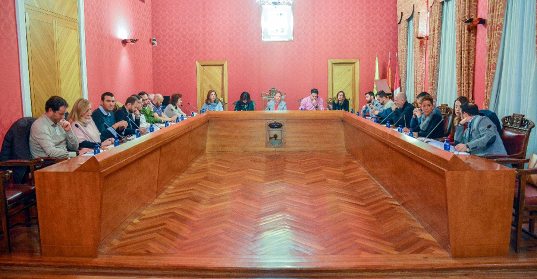El campo de fútbol y la pista de atletismo de la Ciudad Deportiva llevará el nombre de Miguel Ángel Moreno