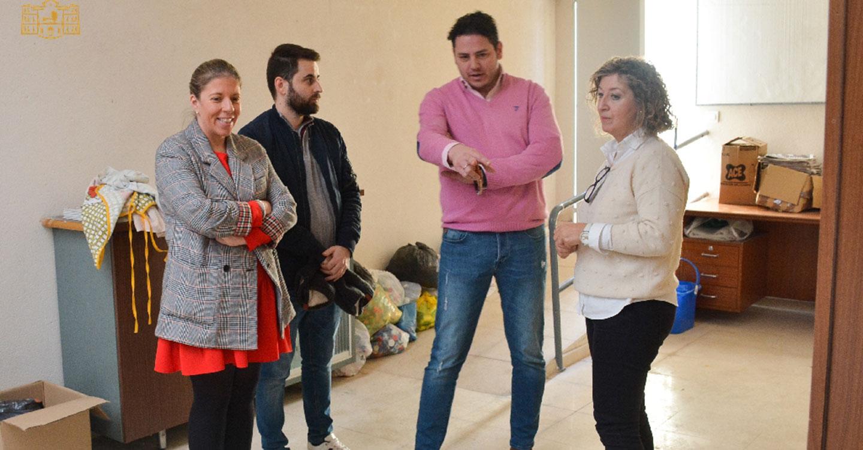 La alcaldesa visita el colegio Almirante Topete