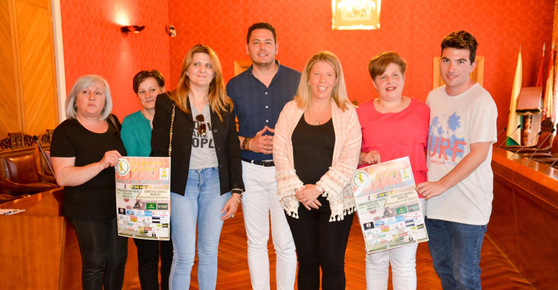 Jiménez muestra el apoyo del Ayuntamiento a la Asociación de Celíacos de Tomelloso para dar visibilidad a sus reivindicaciones