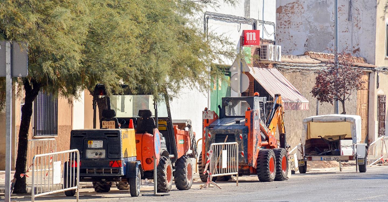Iniciados los trabajos de mejora del sistema de riego de la calle Oriente