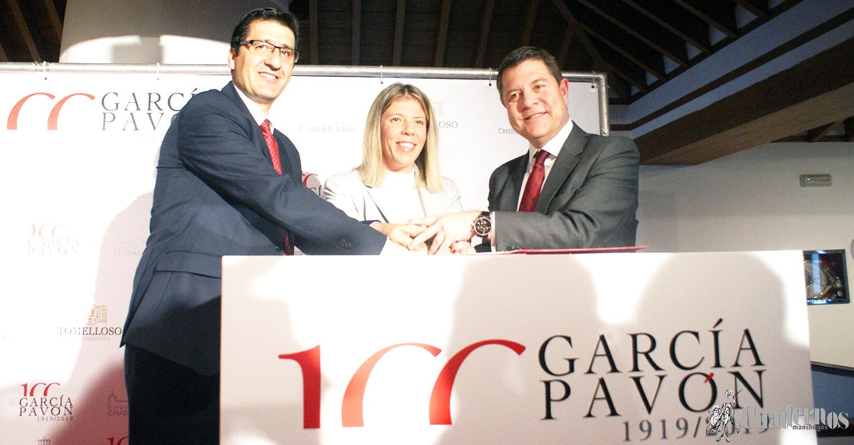 Firmado el Convenio de Colaboración en el Homenaje al I Centenario del Nacimiento de Francisco García Pavón