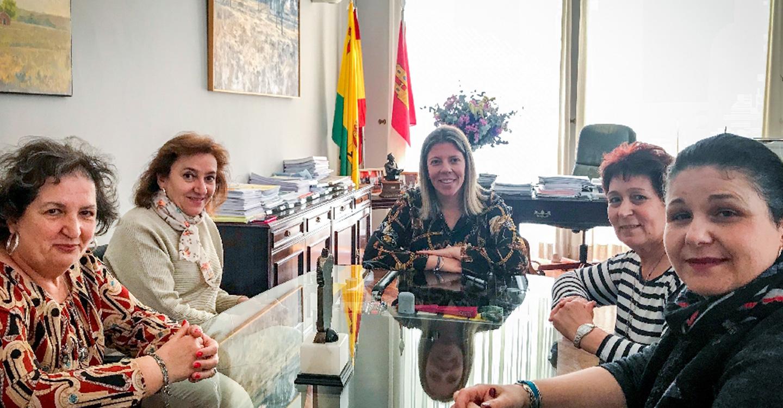 El Ayuntamiento colaborará con Los Delfines en el desarrollo de su programa deportivo para 2019