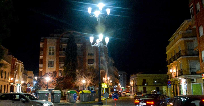 Nuevas mejoras en el alumbrado público en la calle Doña Crtisanta