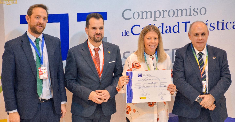 La alcaldesa recibe en FITUR el sello de calidad para Tomelloso, como destino turístico SICTED, de la Secretaría de Estado de Turismo