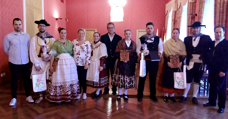 Jiménez agradece el trabajo de los grupos locales para el mantenimiento del folclore como parte las tradiciones