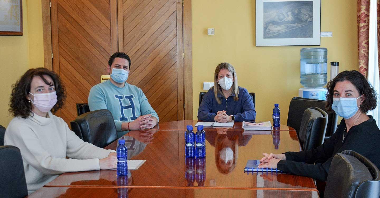 La Alcaldesa de Tomelloso se reúne con la Coordinadora y la Plataforma para informarles de los avances realizados con Sanidad para el cumplimiento integral del plan funcional del Hospital