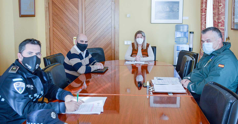 La alcaldesa de Tomelloso se reúne con los Cuerpos de Seguridad para coordinar el Plan de Operaciones de Navidad