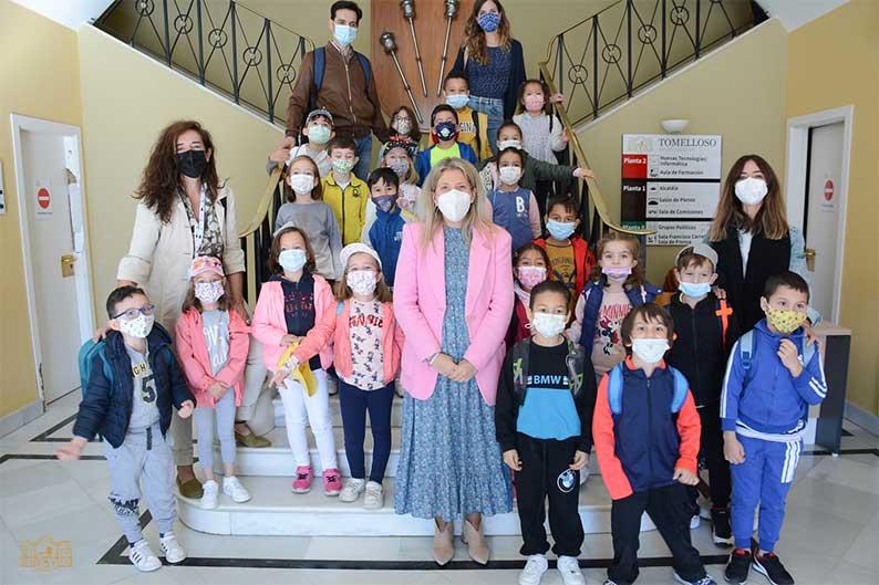 Alumnos de 1º de Primaria del colegio San Isidro visitan el Ayuntamiento de Tomelloso