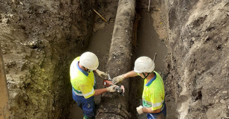 Aqualia repara una rotura en la tubería general que abastece a Tomelloso, sin necesidad de realizar cortes de agua