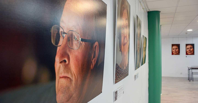 """El aula de la UNED de Tomelloso acoge la conferencia y exposición """"Las arrugas de la vida"""""""