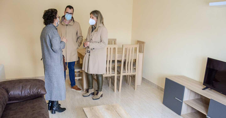 El Ayuntamiento de Tomelloso entrega la tercera vivienda a la última familia afectada por el derrumbe de la calle Lope de Vega