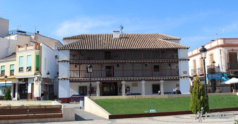 El Ayuntamiento de Tomelloso informa sobre las fechas en las que se pueden recoger invitaciones y comprar entradas para actos de Feria