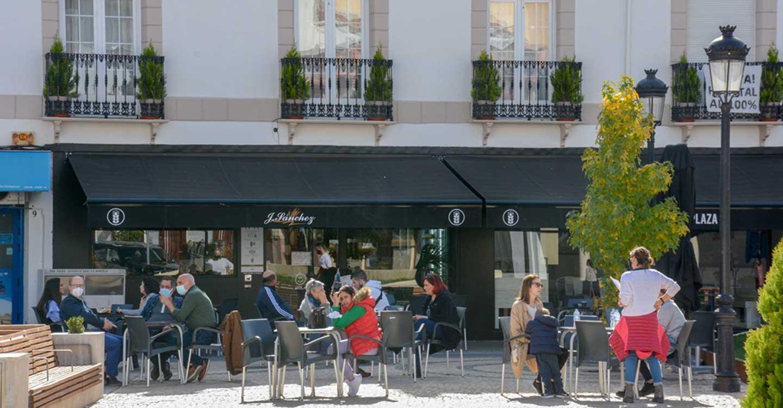 El Ayuntamiento de Tomelloso informa que no habrá restricción de aforo de mesas permitidas en las terrazas