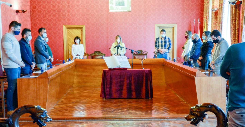Anuncio de nuevas ayudas para autónomos y pymes, modificación de concejalías y toma de posesión en el primer pleno del año