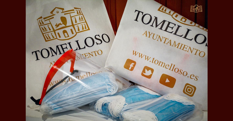 El Ayuntamiento de Tomelloso reparte 11.150 mascarillas y 802 pantallas en el comercio y la hostelería local