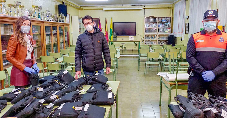 El Ayuntamiento de Tomelloso reparte 158 equipos informático entre el alumnado de la localidad