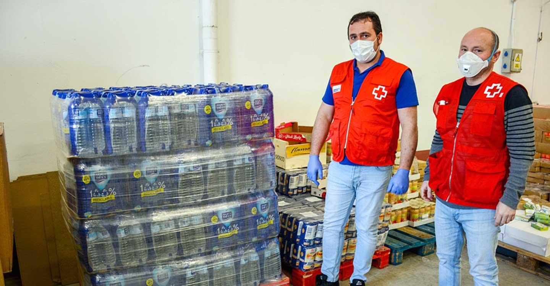 El Ayuntamiento de Tomelloso reparte agua a usuarios de residencias y ONG´s de Tomelloso