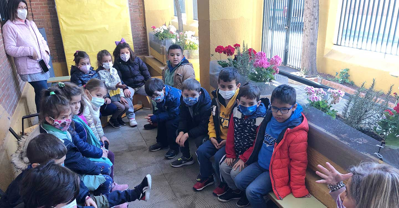'La Barja' lleva la granja al colegio 'Miguel de Cervantes', de Tomelloso
