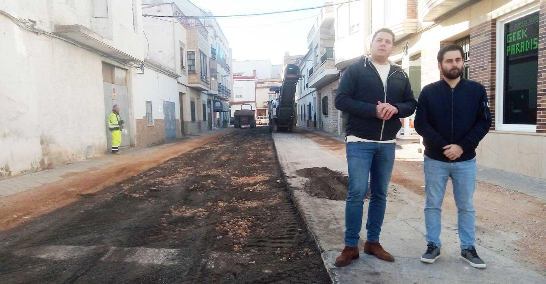 La calle Palma y el tramo de la calle Azucena de Tomelloso continúan con su remodelación
